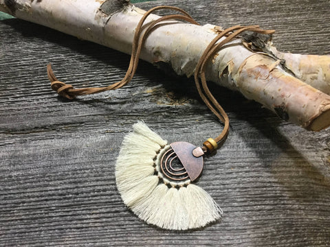 Rustic boho necklace - beige