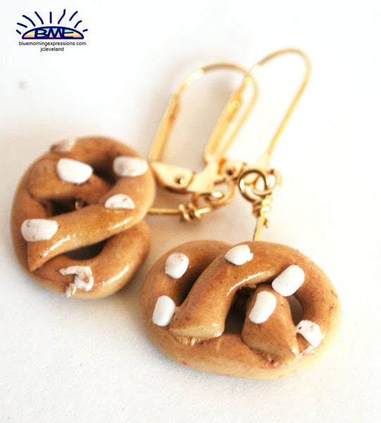 Handmade Pretzel Novelty Earrings, Goldtone