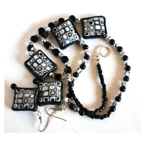 Black and White Jewelry Set