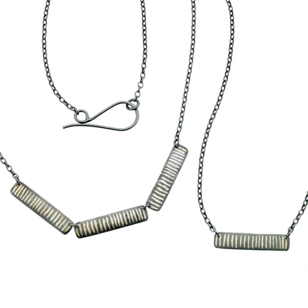 scribble stripe necklace