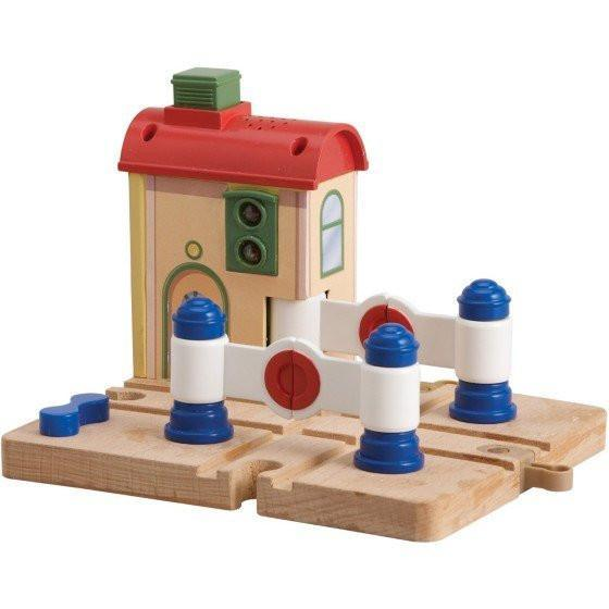 Chuggington Wooden Railway Lights & Sounds Crossing Platform with Vee-Toys-Babysupermarket