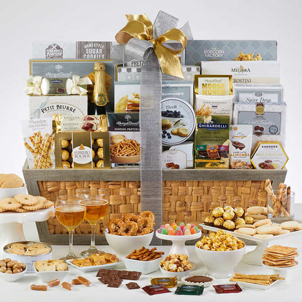 1470552-holiday-extravaganza-holiday-gift-basket-thankfully-yours
