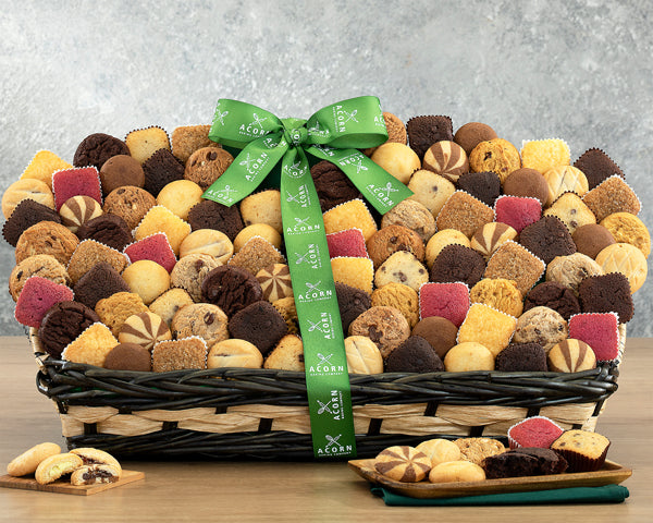 342-bakery-bonanza-thankfully-yours-holiday-gift-basket