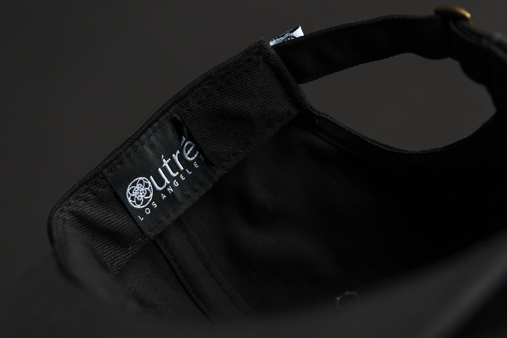 Outre vampire skull black - unstructured 6 panel sweatband woven label