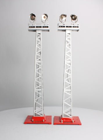 MTH 10-1044 Standard Gauge #92 Flood Light Towers Silver with Red Base (Set of 2)