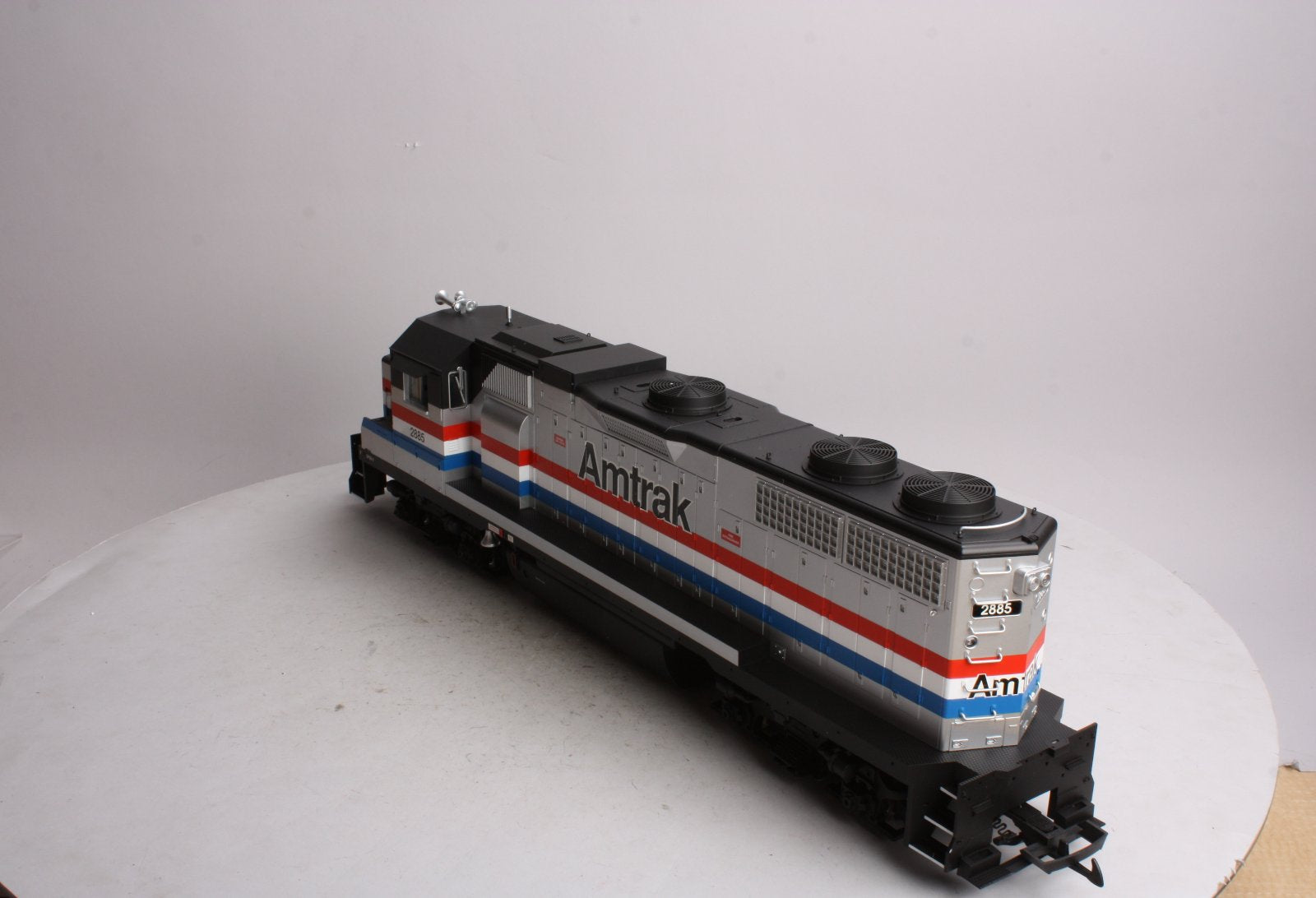USA Trains 22211 G Amtrak GP38-2 Diesel Locomotive #2885 – Trainz