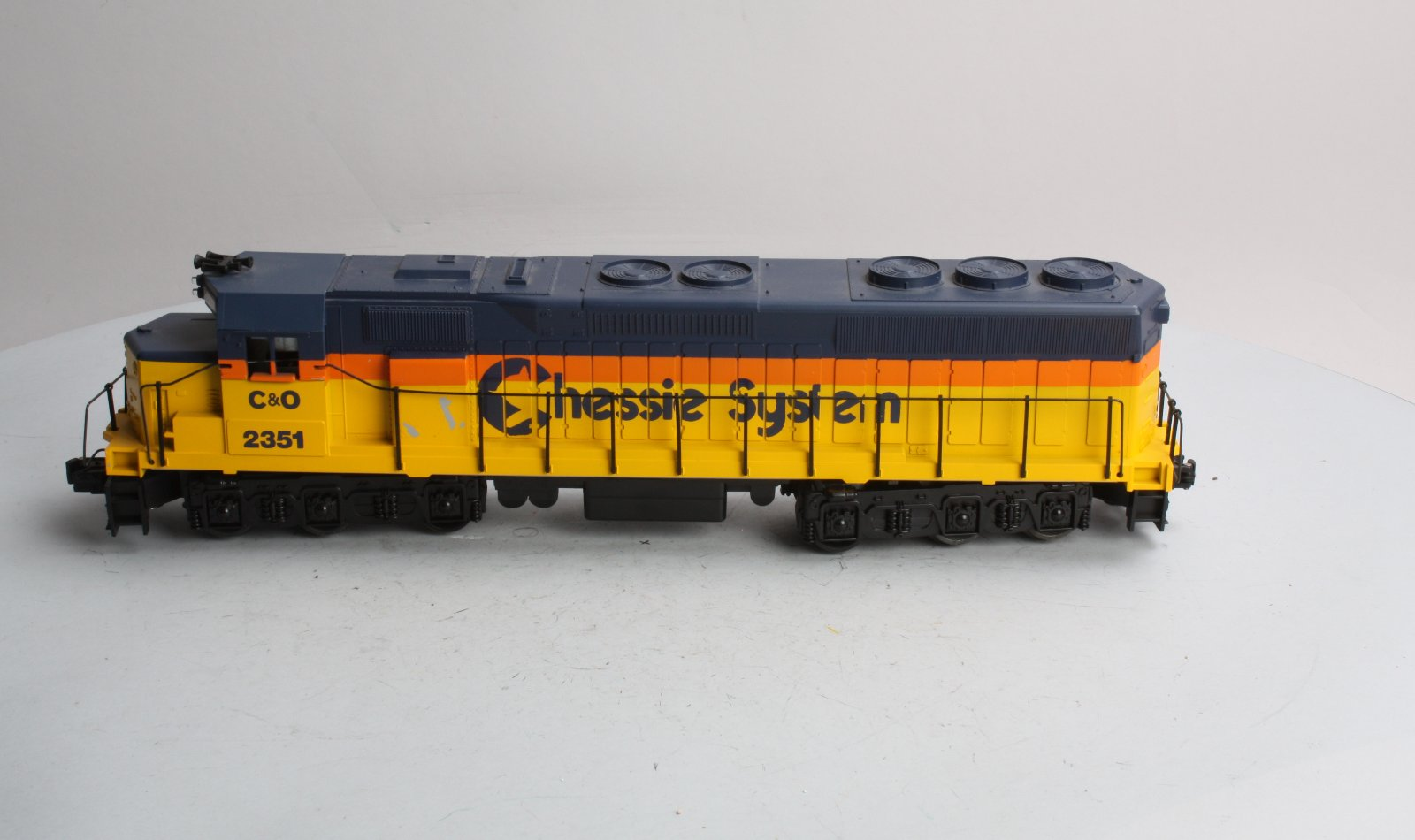 Williams 2351 Chessie SD40 Diesel Locomotive