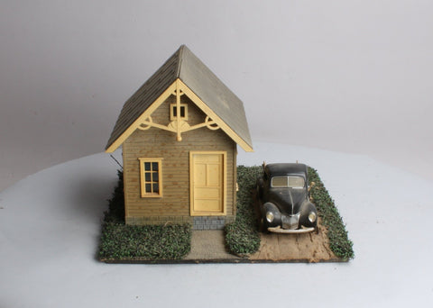 Piko G Scale House (Assembled) & Die-Cast Car