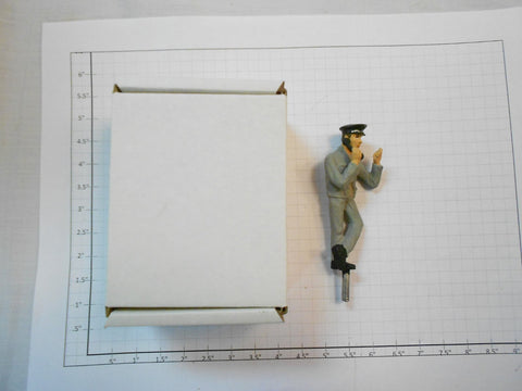 Taura Figures 15.02 White Metal Phone Shunter Figure