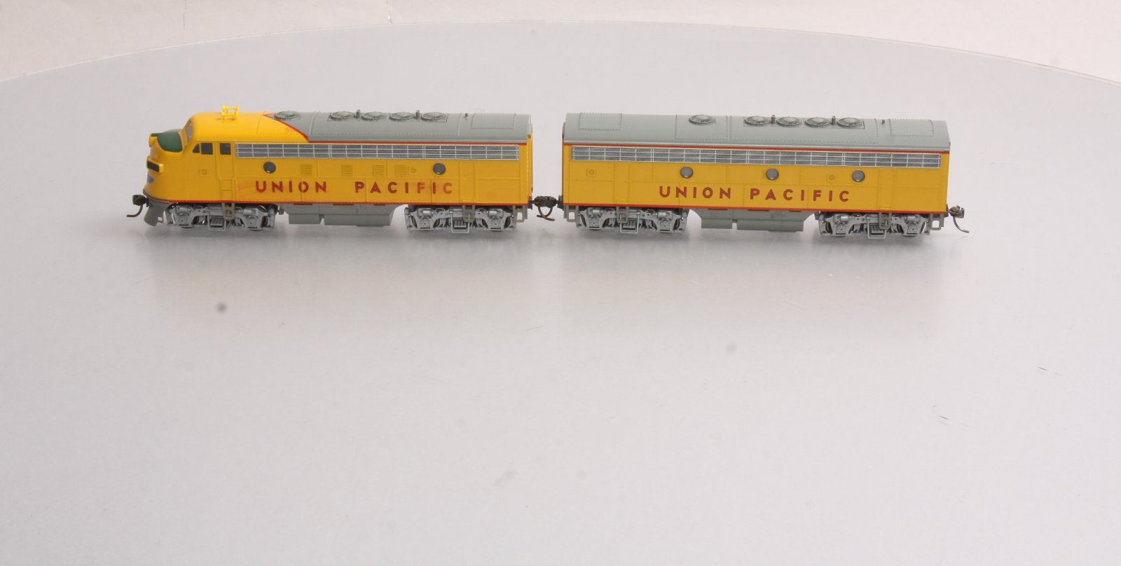 Kato HO Scale Union Pacific F7 AB Diesel Locomotive Set w