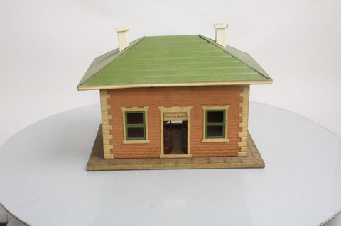 Lionel 124 Standard Gauge Lionel City Tinplate Station with Light