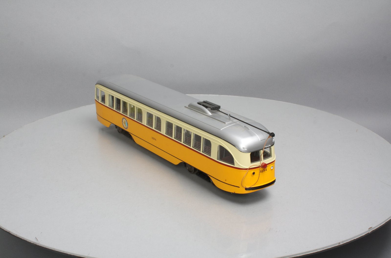 Aristo-Craft 23303 G MBTA Boston PCC Trolley – Trainz