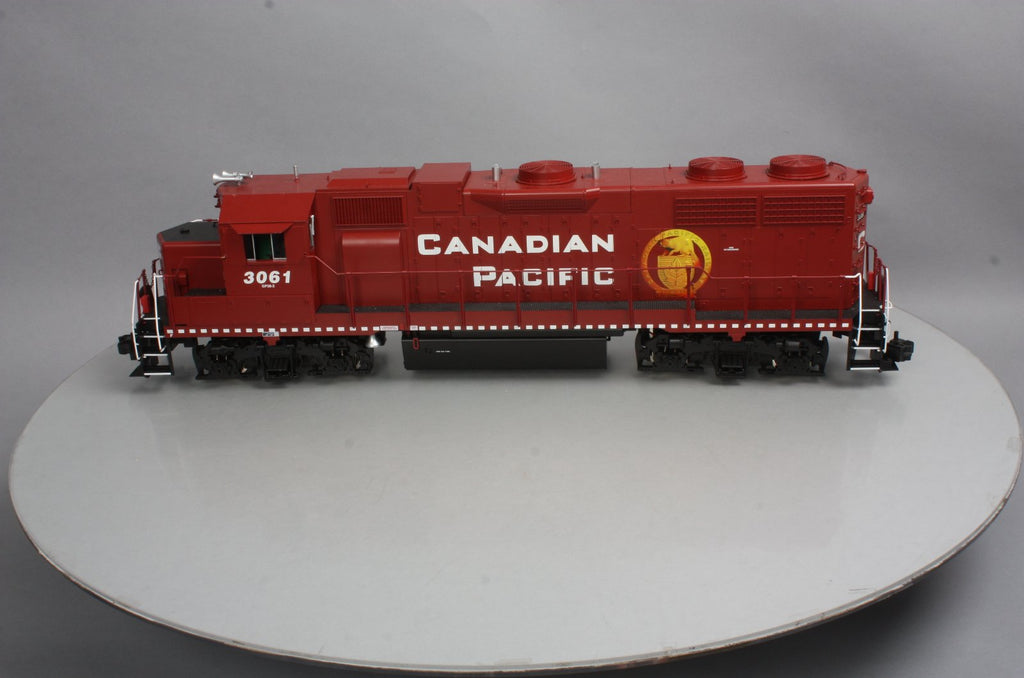 USA Trains R22235 G Canadian Pacific GP 38-2 Diesel Locomotive #3061