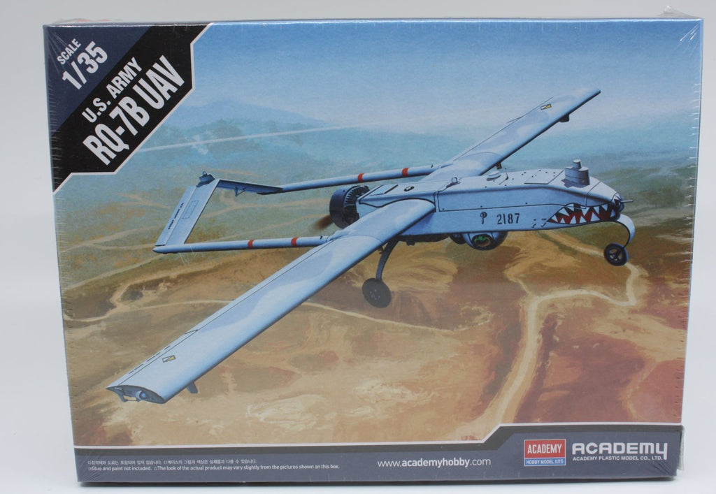 Academy 12117 1:35 US Army RQ-7B UAV w/ 2 Figures+Stand Cartograf Decal