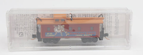 MicroTrains 05100270 34' Wood Sheated Caboose w/ Stright Cupola Ringling Bros. And Barnum & Bailey