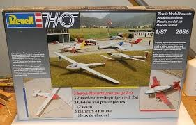 Revell 2086 HO Gliders and Power Planes (X2)