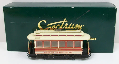 Bachmann 25128 On30 United Traction Co. Powered Closed Streetcar