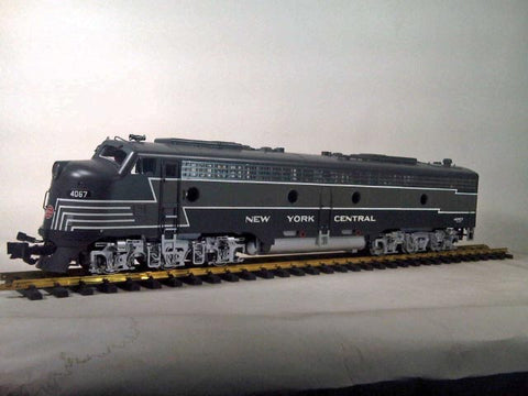 Aristo-Craft 23611 NYC E-8 Powered Diesel