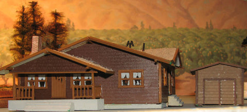 Alpine Division Scale Models 576 Brown Bungalow w/garage