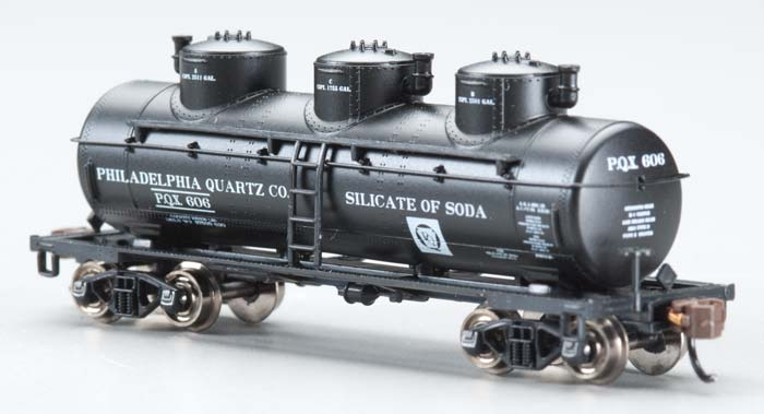 Bachmann 17151 N Philadelphia Quartz Co. 3-Dome Tank Car