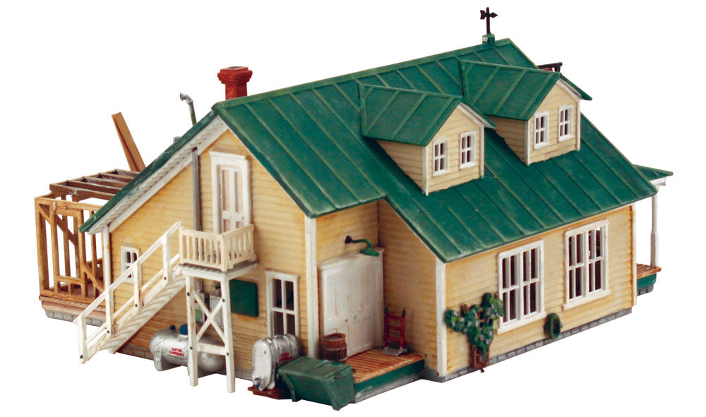 DPM 12900 HO Scale Woody's Country Mart Kit