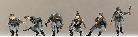 Preiser 16878 HO Former German Army WWII - Painted Figure Sets Panzergrenadiers Dismounting