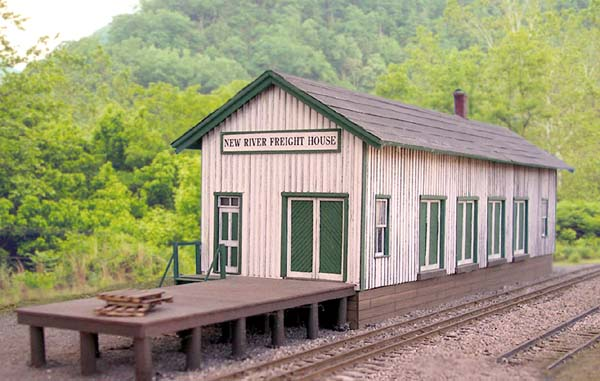 B.T.S. 17500 O Scale Freight House Craftsman Building Kit