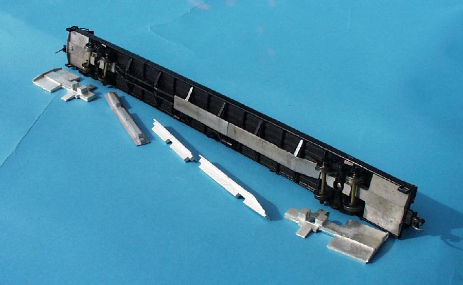 A-Line 13202 HO Undecorated 85' Flatcar with End Weights Kit