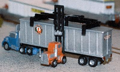 N Architect 30015 Z Truck Tractor with 40' Chassis