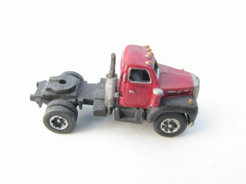 Showcase Miniatures 27 N 1955-66 Diecast and Unpainted Metal Kit Mack Model B Truck