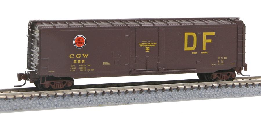 MicroTrains 50700612 50' Std Box CNW #555