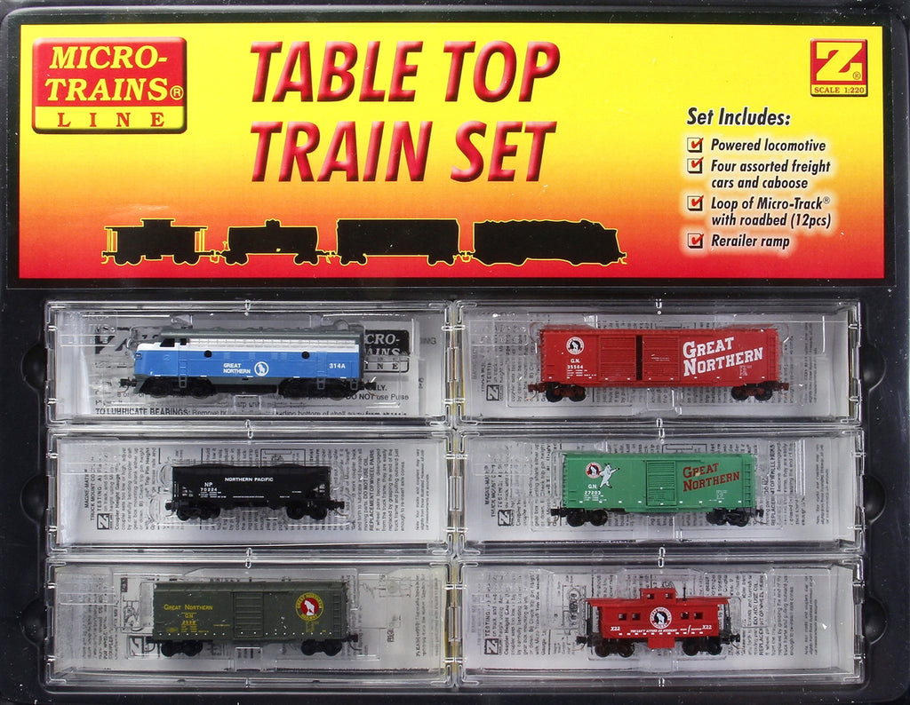 MicroTrains 99403880 Z Great Northern Freight Train-Only Set w/EMD F7