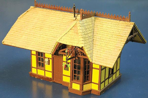 Scale Structures 1147 HO Grizzly Flats Depot Kit - 4 x 3-3/4