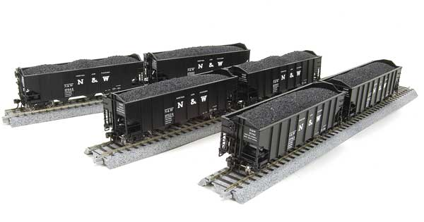 Broadway Limited 3113 N Norfolk & Western Class H2A 3-Bay Hopper (6)