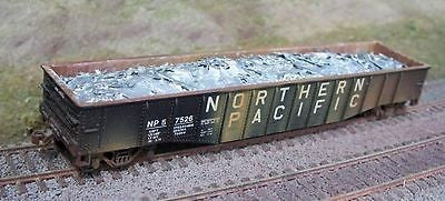 Motrak Models 81202 HO Scrap Aluminum Load for Athearn 50' Mill Gondola