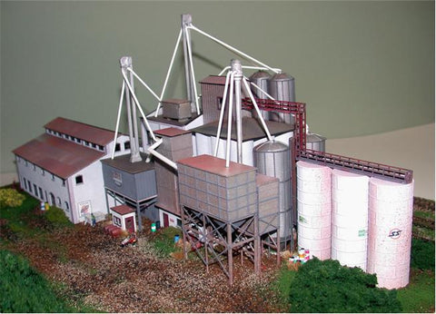 The N Scale Architect 10018 N X-Cel Feed - Kit (Laser-Cut Wood) 16 x 8 x 6 40.6 x 20.3 x 15.2cm