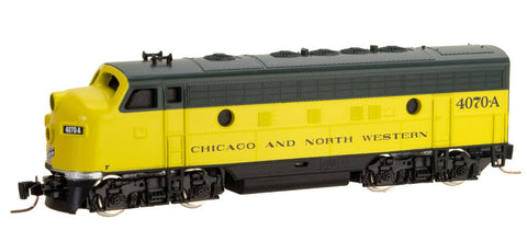 MicroTrains 98001381 Z Chicago & North Western EMD F7A - Standard DC #4070-A