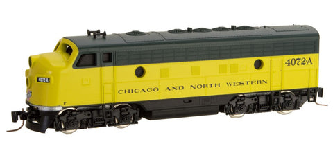 MicroTrains 98001382 Z Chicago & North Western EMD F7A - Standard DC #4072-A
