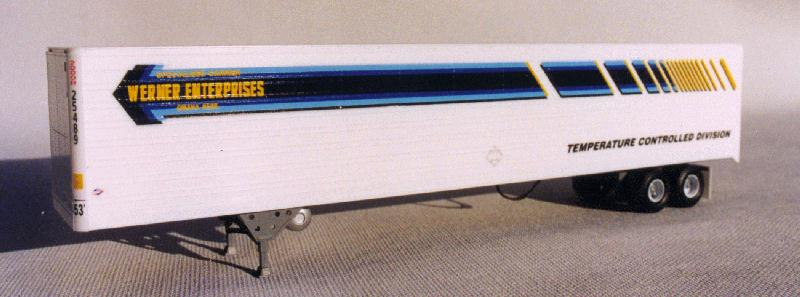 A-Line 50508 HO 53' Reefer Trailer Kit with Silver Painted Details Werner