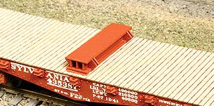 American Model Builders 207 Laser Art Bolsters FC Load HO Scale Kit (1 Pair)
