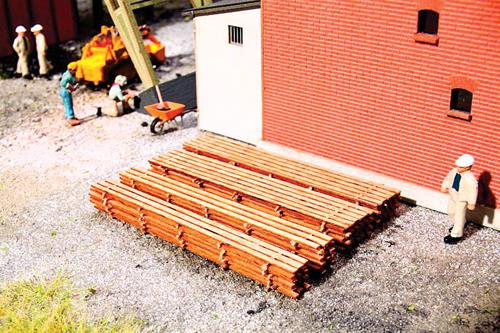 Walthers 949-4132 HO Stack of Boards