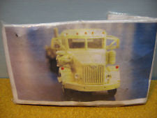 Alloy Forms 3116 HO Autocar Constructor Truck w/Curved Sided Dump Body Kit