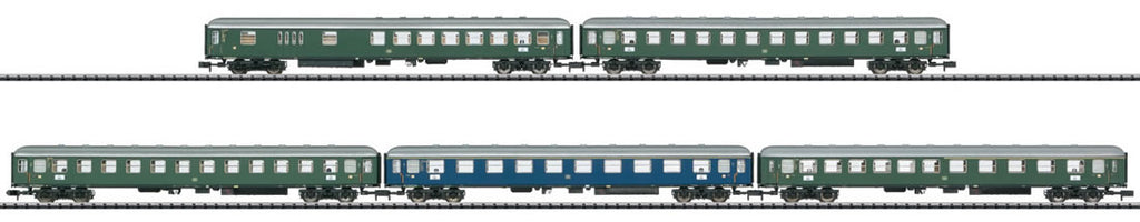 Trix 15548 N German Federal Railroad Express Train Passenger Car Set (5)