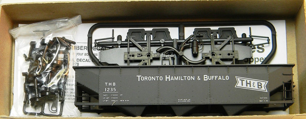 Accurail 7557 HO Toronto Hamilton & Buffalo Offset Triple Hopper Kit Car