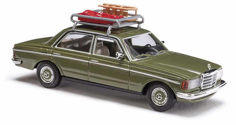 Busch 46865 HO 1977 Mercedes-Benz W123 Sedan - Agave Green