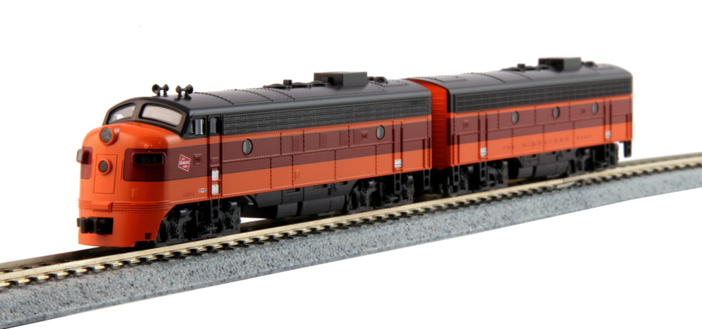 Kato 106-0430 N Milwaukee Road EMD FP7A & F7B Diesel Locomotive #95A/95B