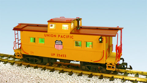 USA Trains R12172 G Union Pacific Center Cupola Caboose (Yellow/Oxide)