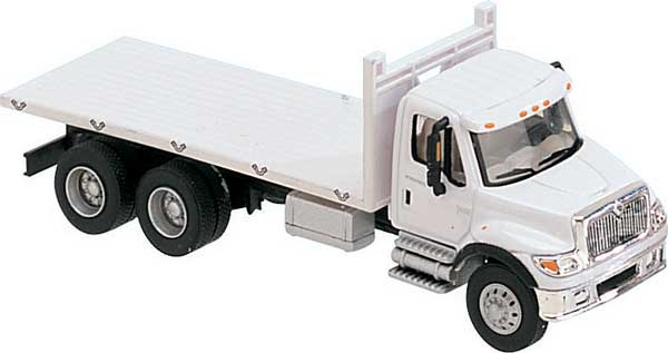 Walthers 949-11650 HO International 7600 3-Axle Flatbed Truck