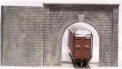 Motrak Models 12000 N Single Track Tunnel Portal with Wing Walls