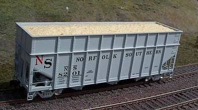 Motrak Models 81207 HO Woodchip Loads for Athearn 40' Woodchip Hopper (2)